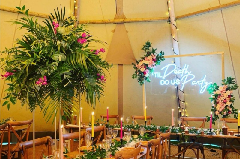Neon Wedding Signs to Hire in Yorkshire