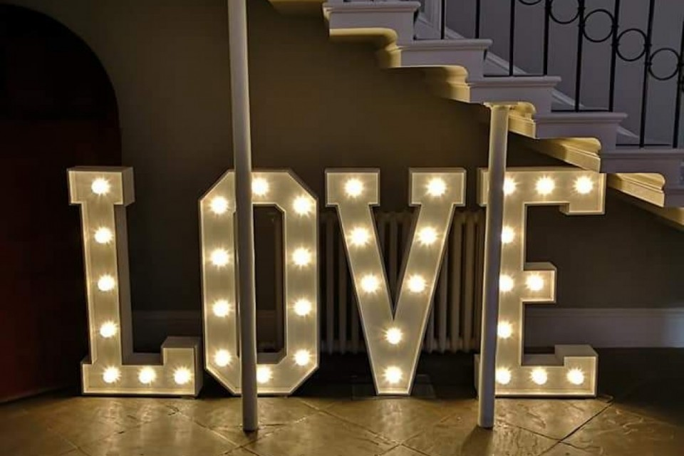 Exeter Wedding Decor, Styling & Prop Hire - White Love