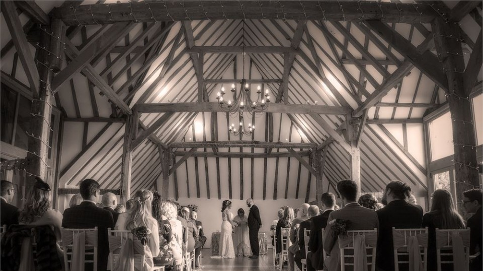 Stunning Hampshire Wedding Venue - Skylark Hotel and Country Club