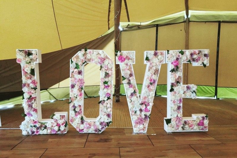 Floral Love Letters to Hire in Leeds West Yorkshire
