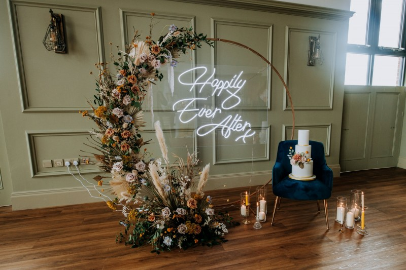 Stunning Moongate Backdrop Frame to Hire