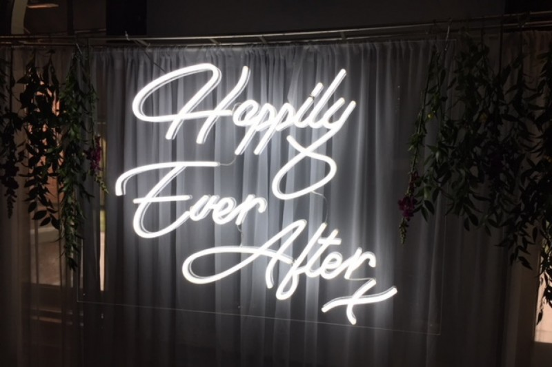 neon wedding sign hire leeds yorkshire